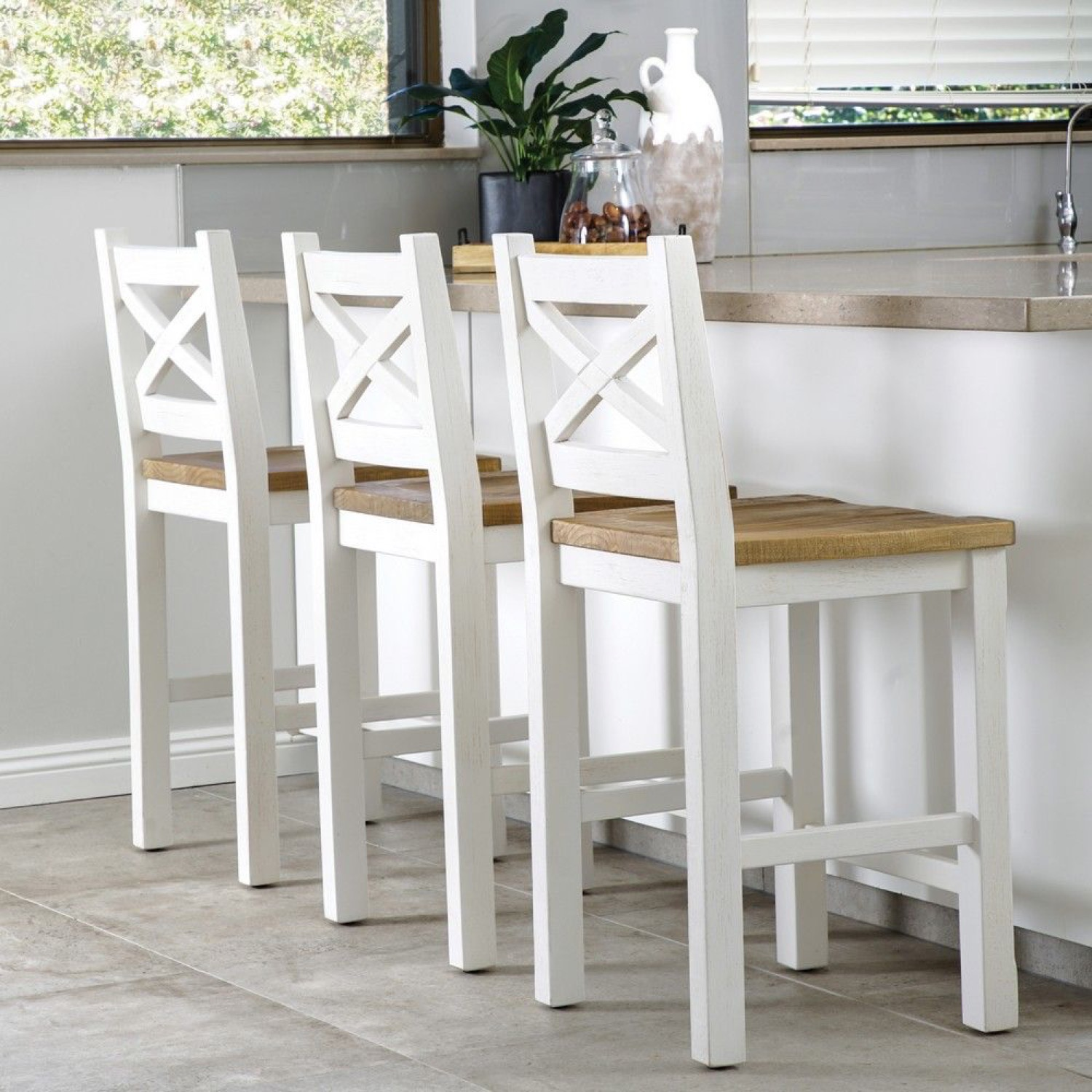 Bar Stool Styling: Decor and Buying Guide